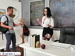 Busty and big bottomed teacher Brooke Beretta bangs one of her favorite students
