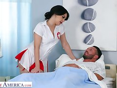 Italian nurse in sexy unalterable Valentina Nappi hooks up with several be expeditious for her patient
