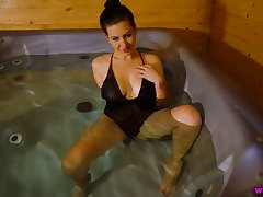 Icelandic bitch Tindra Frost is toying sex-starved pussy in jaccuzi