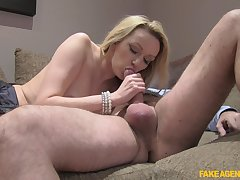 Comme �a beauty gets experienced inches in her pussy added to mouth