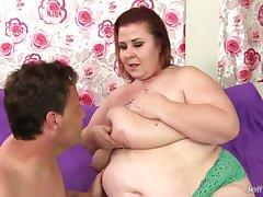 Irresistible Older BBW Lady Lynn Leaves Her Man in Complete Satisfaction