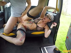 Slutty alt girl Tanya Tart sucks together with fucks cabbie's huge cock