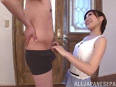 Amazing blowjob by Natsuki Minami from Japan makes him cum fast