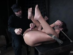 Flexible buxom whore with correct plunder Jackie Ohh needs nothing but bondage
