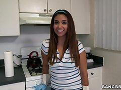 Cute maid Isabella Taylor takes extra cash relating to clean the house cold