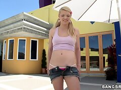 Blonde chick Stella Banxxx gives addict and gets licked in outdoors