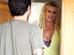 MILF Ryan Conner - Hitting Not susceptible His Old hat modern